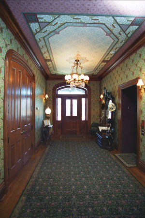 The foyer of the Saxton-McKinley house. (NFLL)