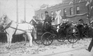 William and Ida McKinley arriving in California at Redlands, 1901. (City of San Bernardino, California)