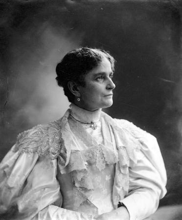 A campaign photograph showed Ida McKinley as physically healthy. (Ohio Historical Society)