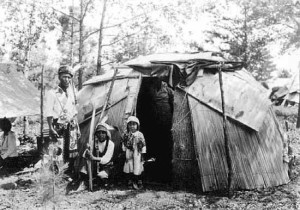 A Chippewa Indian family on their reservation home. (rootswebs.ancestry.com)