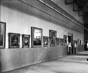 An early 20th century public display of Harriet Lane's art collection intended for a National Gallery of Art. (Smithsonian)