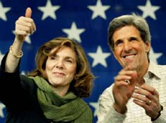 Teresa Heinz Kerry and her husband John Kerry during his 2004 campaign. (Getty)