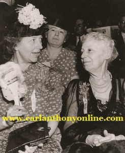 Former First Lady Nellie Taft, right, with her daughter Helene at the 1940 Republican Convention.