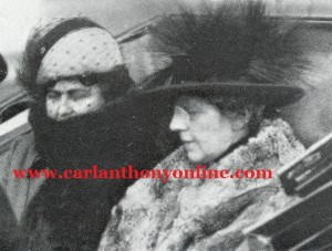 Florence Harding and Edith Wilson riding together on Inauguration Day, 1921.