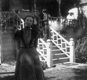 Lou Hoover in front of the family home in Tienstin. (HHPL)