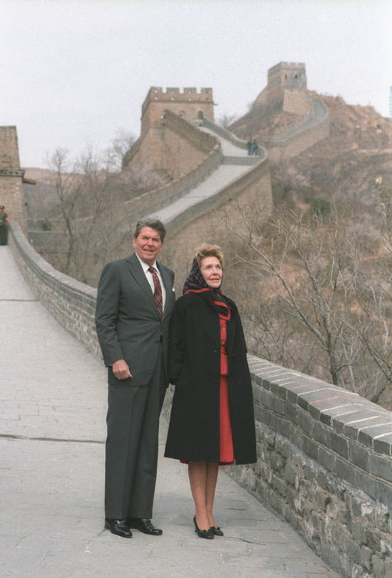 President Ronald Reagan and First Lady Nancy Reagan looking at the Great Wall in China, April 29, 1984.  (RRPL)