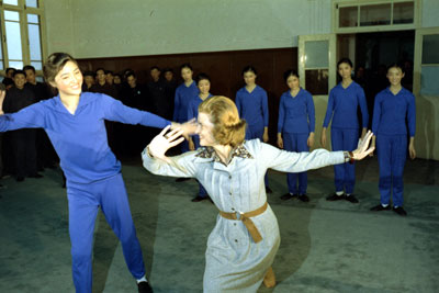 Betty Ford learns the hand gestures of Chinese ballet at The Central College of Art ballet class. (GFPL)