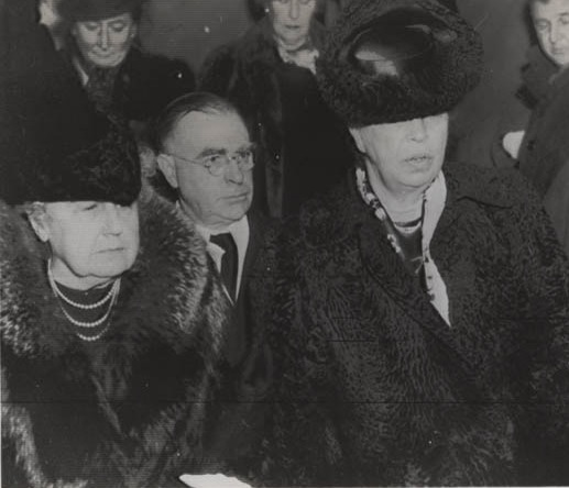 Edith Wilson and Eleanor Roosevelt proceed to the U.S. Capitol to hear President FDR declare war on December 7, 1941. (carlanthonyonline.com)