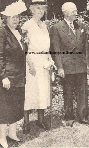 Frances Cleveland, center, with the Trumans in 1947 - several months before her ghost was allegedly seen by them.