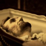 An image of Lincoln in his coffin (pinterest).