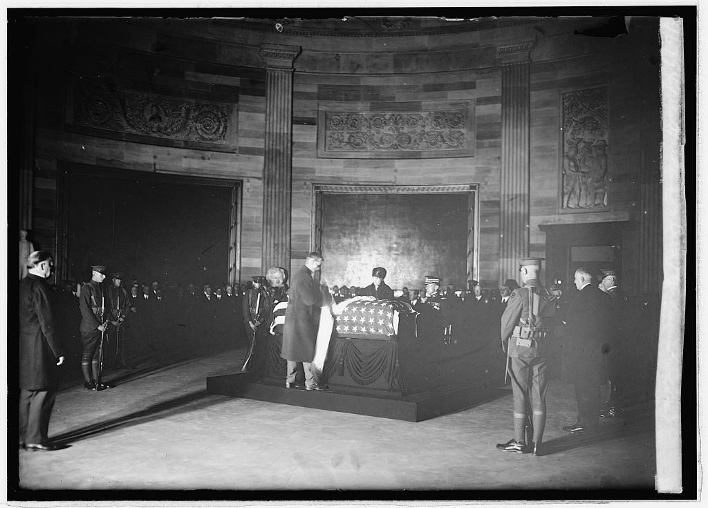 "Florence Harding was chosen to place a wreath on the flag-draped coffin of the ""Unknown Soldier,"" while it lay in state in the U.S. Capitol Rotunda and before it was buried in Arlington National Cemetery. (LC)"