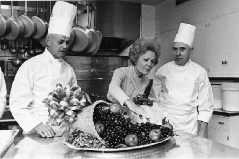 With White House chefs, Pat Nixon previewed for the press the turkey which would serve as the main course of the First Family's 1970 Thanksgiving meal.