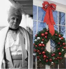 Mrs. Harding hung wreaths in the White House windows for the public.