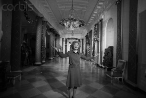 Pat Nixon at the 1972 holiday preview.