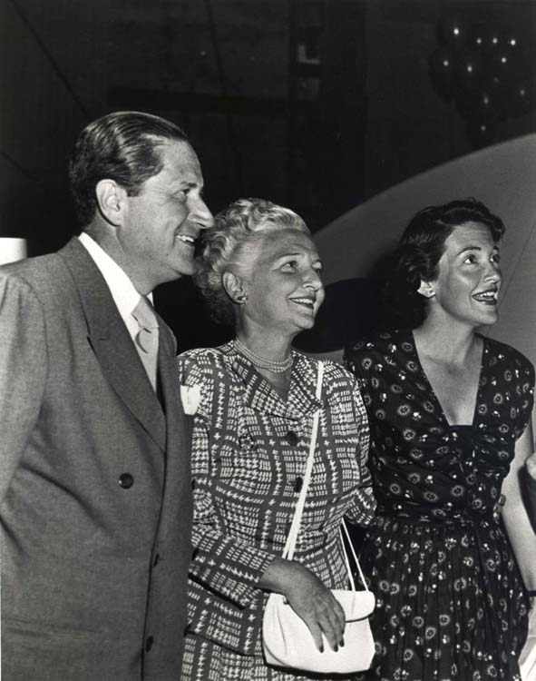 Nancy Reagan with her parents, Loyal and Edie Davis.