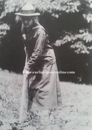 Mrs. Hoover in the field. (carlanthonyonline.com)