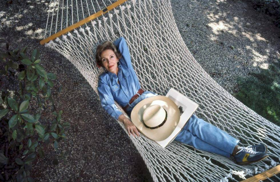 Nancy Reagan enjoys the solitude of her hammock at the Reagan Ranch. (RRPL)