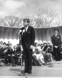 President Kennedy addressing crowds from the clamshell stage on the South Lawn. (JFKPL)