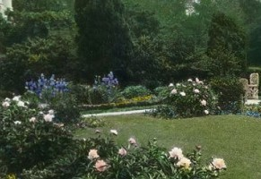 Ellen Wilson's Rose Garden in a rare color image of the era. (original source unknown)