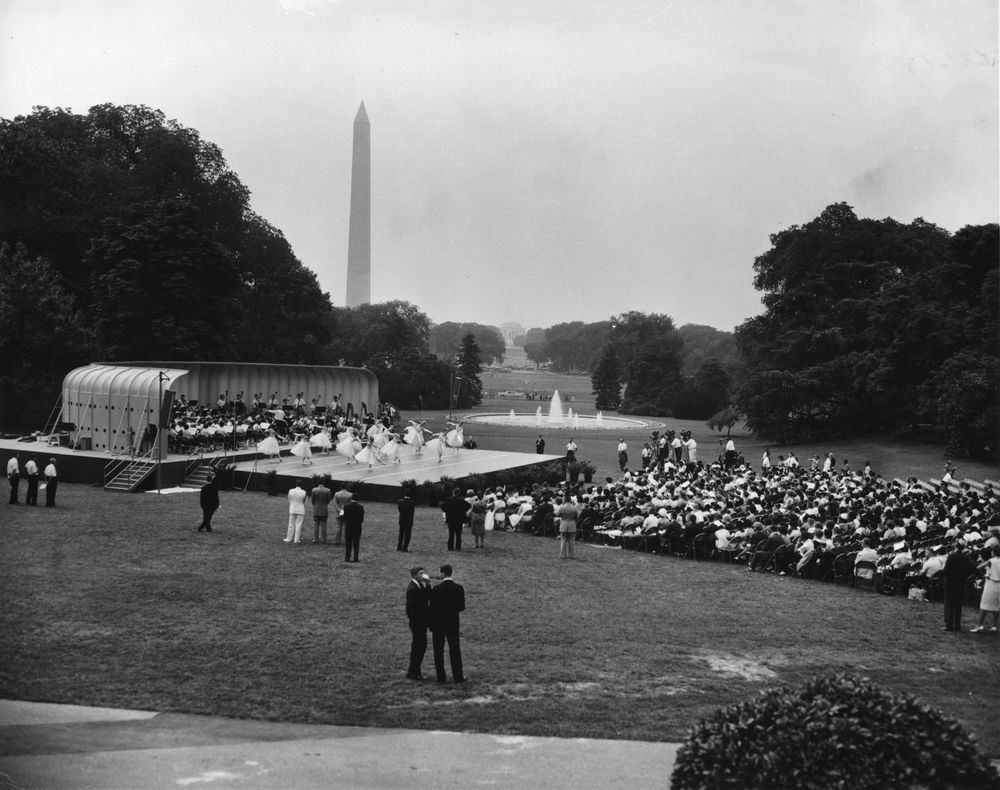 Staging construction on the South Lawn during the Kennedy Administration. (JFKPL)