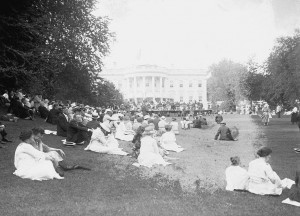 Public Marine Band concert on the White House lawn, sponsored by the Hardings, 1921. (WHHA)