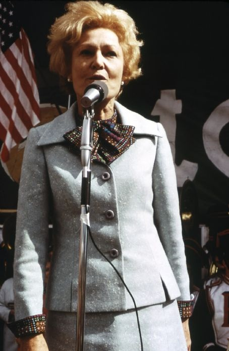 Pat Nixon speaking at a national park. (National Archives)