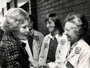Pat Nixon meeting with women workers. (historical images.com)