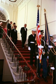 The President and Mrs. Obama descending the grand staircase for a state dinner. (WH)
