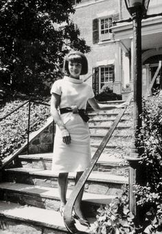 Jacqueline Kennedy exiting the private Georgetown home on N Street that she purchased by lived in for only four months in 1964. (Pinterest)