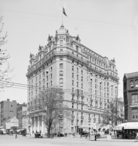 The Willard Hotel, where Florence Harding took a suite. (LC)