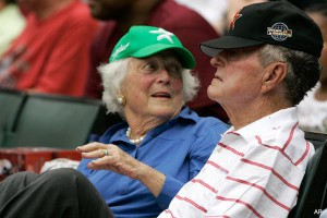 Former First Lady Barbara Bush and her husband at a Astros game. (Getty)
