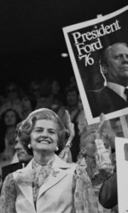 Betty Ford acknowledging a floor demonstration for her. (Boston Globe)