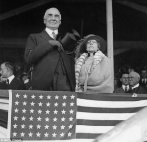Warren and Florence Harding at a Washington horse show. (pinterest)