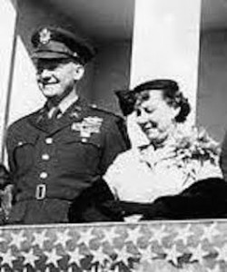 Mamie Eisenhower with her only child, who served in Korean War combat. (Pinterest)