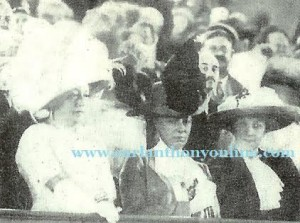 Nellie Taft seated right near the podium of the enemy convention. (carlanthonyonline.com)