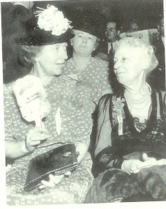 Nellie Taft ((right, with her daughter attending the 1940 Republican National Convention. (carlanthonyonline)
