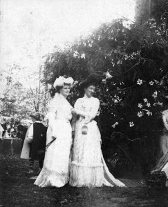 Belle Hagner (right), at a White House social event. (WHHA)