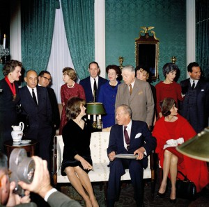 Jacqueline Kennedy with her Special Committee on White House Paintings, December 1961. (JFKL)