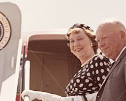 Mamie Eisenhower flew to Colorado without the President in August of 1957 - but with the White House physician. (Alamy)