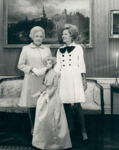 Mrs. Nixon initially appeared in modified versions of the mini-dress. (carlanthonyonline)