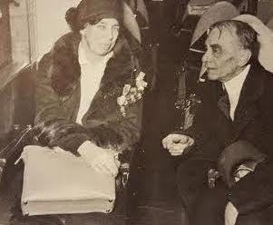 Eleanor Roosevelt with her first political mentor Louis Howe. (International News Photo)