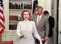 The Clintons entering the Oval Office together for a meeting. (alamy.com)