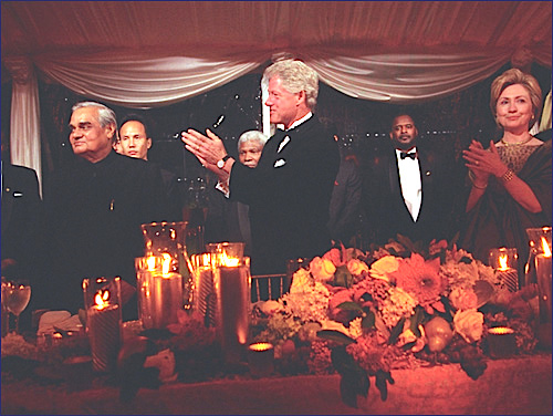 Bill and Hillary Clinton host a state dinner for the Prime Minister of India, September 17, 2000 in a South Lawn tent. (WJCPL)