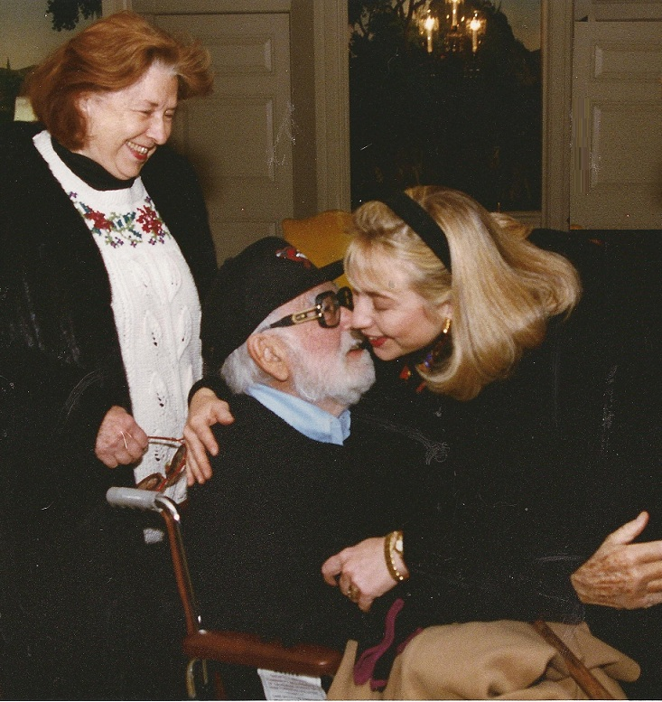 Hillary Clinton with her parents during the 1993 inauguration. (WJCPL)
