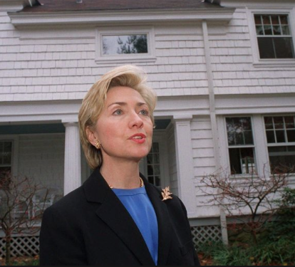 Hillary Clinton in front of her Chappaqua home. (AP)
