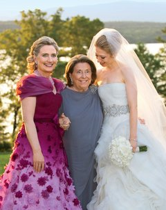 Hillary Clinton and her mother Dorothy Rodham at the 2010 wedding of Chelsea Clinton. (Getty)