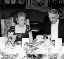 Bess Truman with Fred Vinson. (HSTL)
