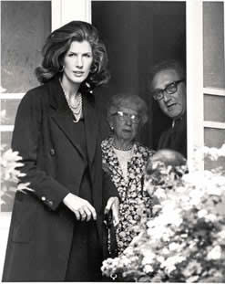 Bess Truman with Secretary of State Henry Kissinger and his wife, exiting her home after a 1975 visit. (Getty Images)
