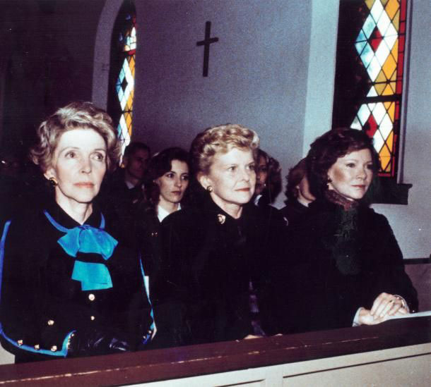 Nancy Reagan, Betty Ford and Rosalynn Carter attending the 1982 funeral of Bess Truman. (pinterest)
